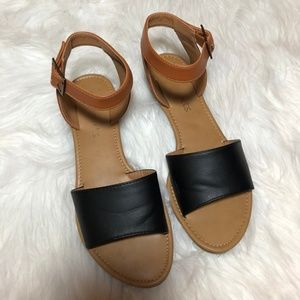Coconuts by Matisse Two Toned Sandals Size  7